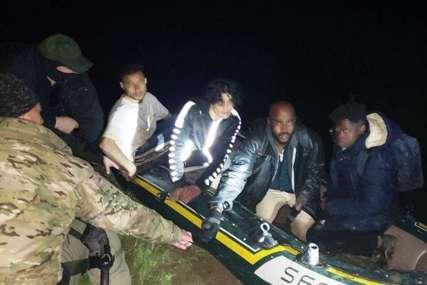 U čamcu bilo 13 ljudi: Spriječeno krijumčarenje migranata u Kozluku
