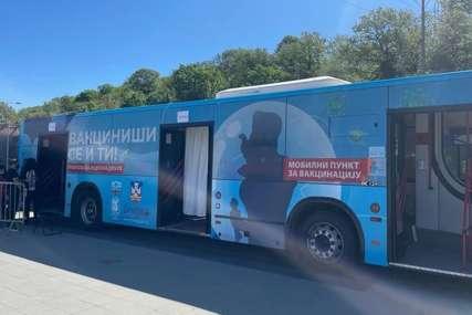 """Svakog dana biće na drugoj lokaciji: Beogradom """"krstari"""" mobilni autobus za vakcinaciju"""