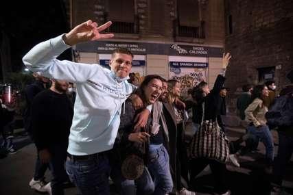 Rastjerano oko 9.000 ljudi: Policija prekinula provod u Barseloni (FOTO)