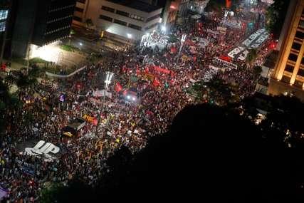 BIJES U BRAZILU Hiljade demonstranata tražilo ostavku Bolsonara (VIDEO)