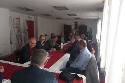 """""""Srbi u FBiH građani drugog reda"""" Nešić održao sastanak sa Regionalnim odborom (FOTO)"""