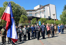 Najviši zvaničnici Srpske položili vijence na Spomenik palim borcima NOR (FOTO)