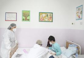 Poruka majke iz Srbije koja odzvanja mrežama: Nadam se da nikada nećete videti kako vaše dijete izgleda na stolu za radioterapiju
