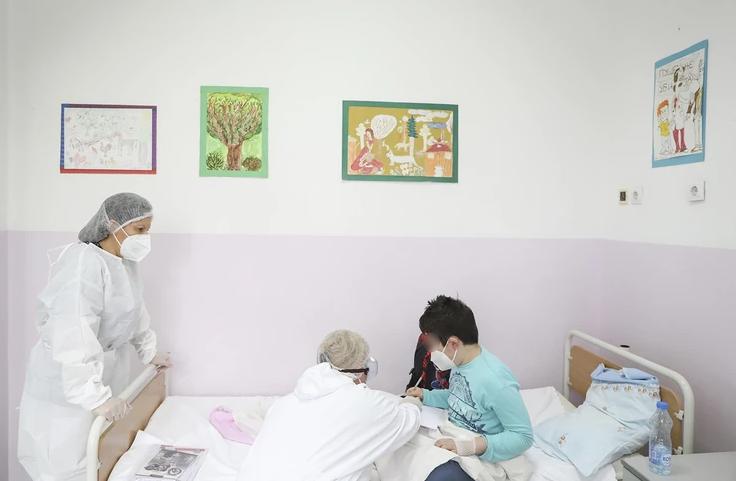 Trenutno smješteno više od 100 pacijenata: Popunjeni kapaciteti Klinike za dječije bolesti na UKC Tuzla