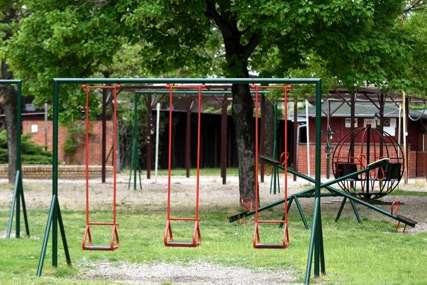 Automobilom uletjela u dječiji park: Majka dovezla djecu na igralište pa zaboravila da povuče ručnu