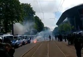 HAOS U DREZDENU Sukob policije i navijača Dinama, ima i povrijeđenih (VIDEO)