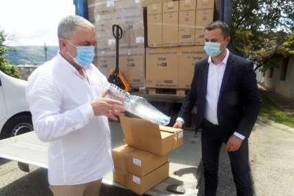 DONACIJA GERONTOLOŠKOM CENTRU Uručeni paketi vrijedni više od 90.000 KM