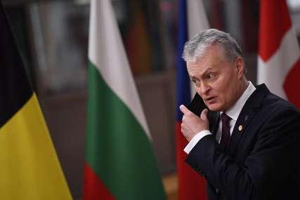 """AVION """"SILOM"""" PREUSMJEREN Zahtjev Minsku da odmah oslobodi Protaševiča"""