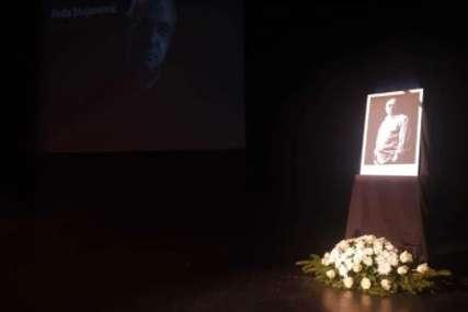 TUGA I BOL Komemoracija Feđi Stojanoviću, glumci došli da se oproste od kolege