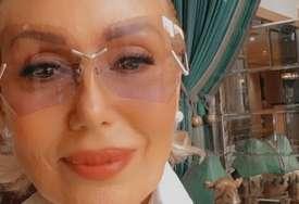 ZGODNA DO BOLA Lepa Brena sa sinom i snajkom u Dubaiju i svi pričaju o njenoj fotografiji sa jahte