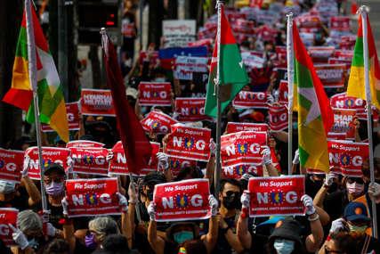 Nemiri u Mjanmaru: Hiljade ljudi na ulicama protiv vojne hunte