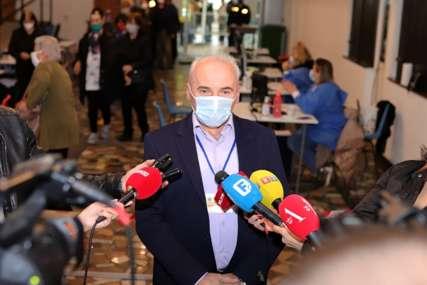 Velike gužve za vakcinaciju: Iz Doma zdravlja Banjaluka poručuju da NIJE OGRANIČEN broj doza