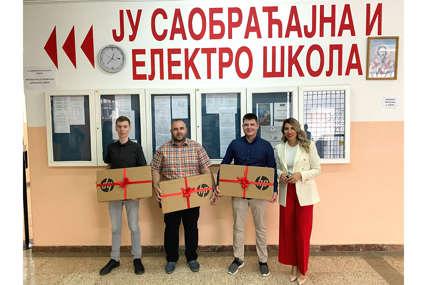 Kompanija m:tel u posjeti pobjednicima Regionalnog app izazova iz Doboja