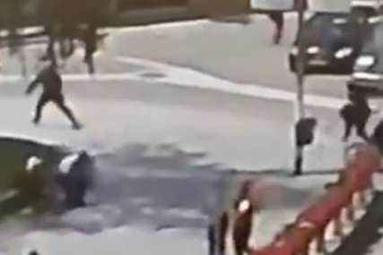 HAPŠENJE U NOVOM PAZARU Dvojica muškaraca se jurila ulicama, sijevala i sjekira