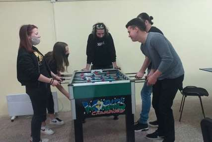 U Vlasenici otvoren omladinski centar: Na raspolaganju stoni tenis, bilijar, mini-fudbal i društvene igre