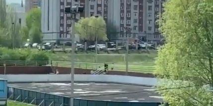 Krvavi pir u Rusiji: Poginuli nastavnik i šestoro djece (VIDEO)