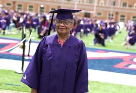 """Diplomirala na pragu devete decenije """"U udruženju penzionera su nam rekli da uzmemo neke časove, a ja upisala fakultet"""""""