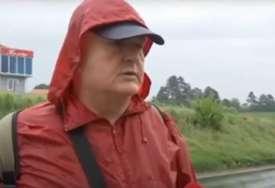"""""""Nosim Vučiću papire da pogleda"""" Penzioner (55) krenuo pješke za Beograd, predsjedniku hoće da ukaže na problem koji ima (VIDEO)"""