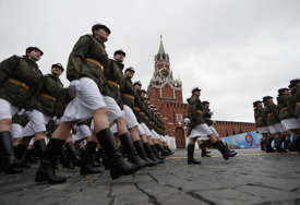 DAN POBJEDE U Moskvi  SPEKTAKULARNA vojna parada sa čak 12.000 vojnika (VIDEO, FOTO)