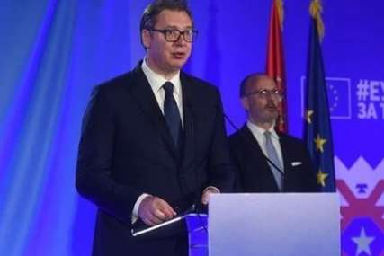 """Srbija želi da bude RAVNOPRAVAN ČLAN EU"" Vučić čestitao Dan Evrope"