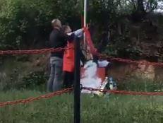 Incidenti se samo nižu: Skinuli srpsku zastavu u Končulju i podigli zastavu Albanije (VIDEO)