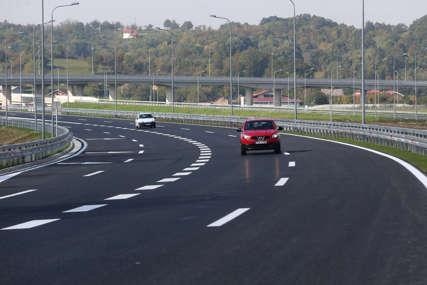 Pojačan saobraćaj na izlazu iz BiH: Vozačima se savjetuje da izbjegavaju putovanja u najtoplijem dijelu dana