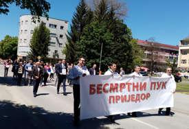 """Marš """"Besmrtnog puka"""" u Prijedoru """"Građani Kozare i Potkozarja dali velike žrtve"""""""