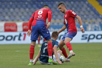 """TITULA SVE BLIŽA Borac slavio na """"Grbavici"""", buran kraj u Bijeljini"""
