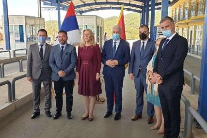 Nema više naplatne rampe na putu Trebinje-Herceg Novi: Cvijanovićeva i Krivokapić ozvaničili UKIDANJE PUTARINE (FOTO)