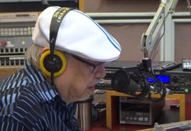 """""""TO JE TO"""" Najdugovječniji (96) di-džej na svijetu ide u penziju"""