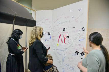 Podizanje svijesti o savremenim oblicima fašizma: Otvorena multimedijalna izložba u Domu omladine