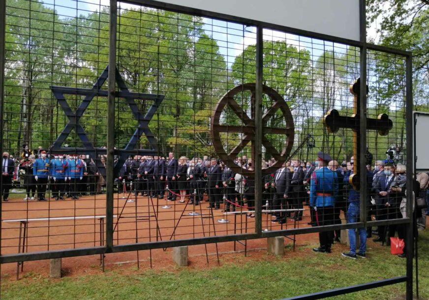 SJEĆANJE NA STRADANJE U Donjoj Gradini pomen žrtvama sistema logora Jasenovac (FOTO, VIDEO)