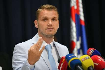 """KOMUNALNA POLICIJA ZATVORILA """"KAJAK"""" Stanivuković: Pobijedićemo sve koji misle da su snažniji od institucija (FOTO)"""