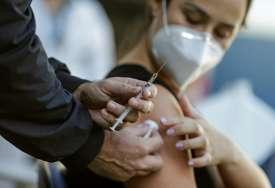 FRANCUSKA ODGAĐA NARUDŽBU EU Planirana kupovina 1,8 milijardi doza vakcine protiv korone