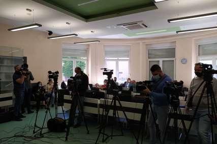 Prijavljeno 640 novinara, fotografa i snimatelja: Danas počinje vakcinacija medijskih radnika (FOTO)