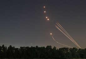 Netanijahu naredio nastavak raketiranja: Izraelska vojska tvrdi da je pogođeno pet kuća lidera Hamasa