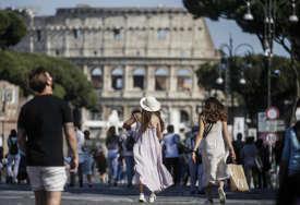 ŽIVOT SE VRAĆA U NORMALU Italija skraćuje policijski čas za sat, ukidanje 21. juna