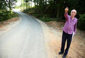 Nezadovoljni novim putem: Mještani Ljubačeva strahuju od saobraćajnih nesreća