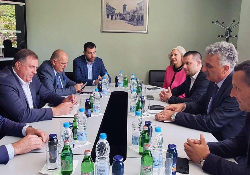 """DODIK U NEVESINJU """"Finansijska pomoć Srbije za rješavanje višedecenijskih problema"""""""