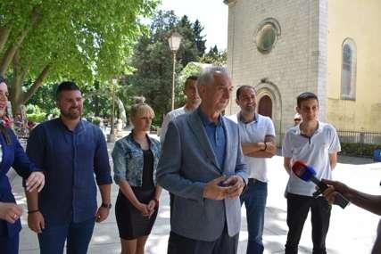 DELEGACIJA SDS IDE U POLICIJU Šarović: Pružićemo svu moguću podršku Vukanoviću (VIDEO)