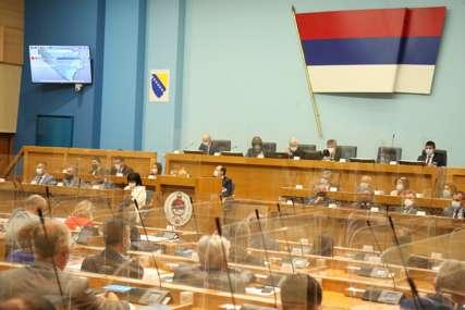 NARODNA SKUPŠTINA ODBACILA ZAHTJEV Visoki predstavnik ne može biti nadređen Srpskoj