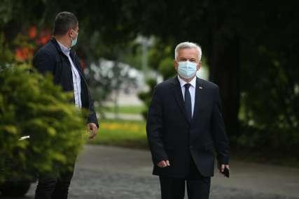 """Čubrilović uoči sastanka sa liderima stranaka """"Najvažnije da postignemo jedinstvo o Inckovoj odluci"""""""