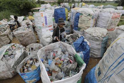 PODSTICAJ ZA SVE NAUČNIKE Tom Ford za izum biorazgradive plastike nudi nagradu od 1,2 miliona dolara