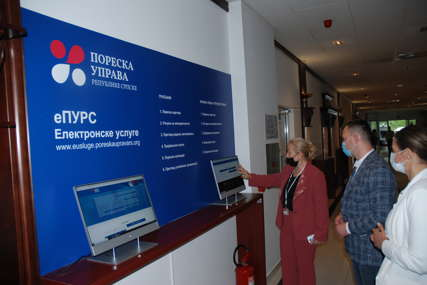 Nova usluga Poreske uprave RS: U rad pušteni samouslužni računari za pregled poreskih evidencija
