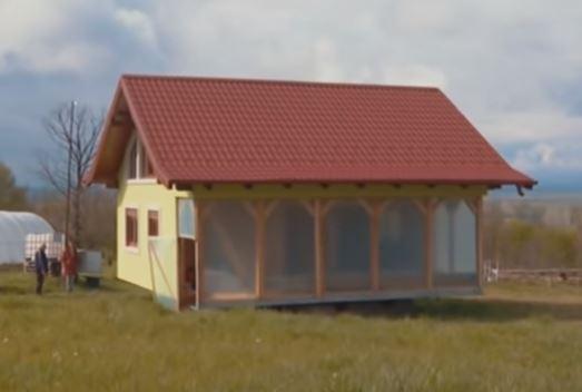 Rotirajuća kuća u Srpcu: Vojin Kusić jedan od prvih na Balkanu koji se odlučio na ovakav poduhvat (VIDEO)