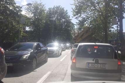 VOZAČI, BUDITE STRPLJIVI Saobraćaj na putu Višegrad - Ustiprača obustavljen zbog saobraćajne nesreće