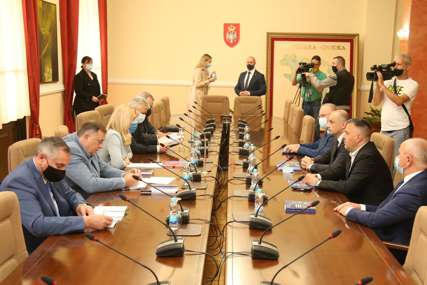 TEMA NOVI VISOKI PREDSTAVNIK Cvijanovićeva i Višković sa predstavnicima koalicionih stranaka