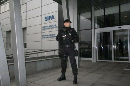 """Pretreseno 12 lokacija: SIPA u akciji """"Bratilo"""" uhapsila osumnjičenog za neovlašteno bavljenje određenim zanimanjem"""