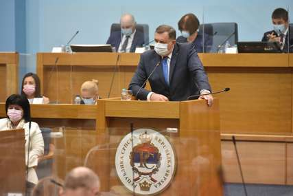 Dodik poručio poslanicima: Potrebno jedinstvo o važnim pitanjima za Srpsku