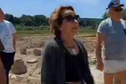 Borba protiv divlje deponije: Glumica Svetlana Bojković SPRIJEČILA KAMION da odloži otpad (VIDEO)